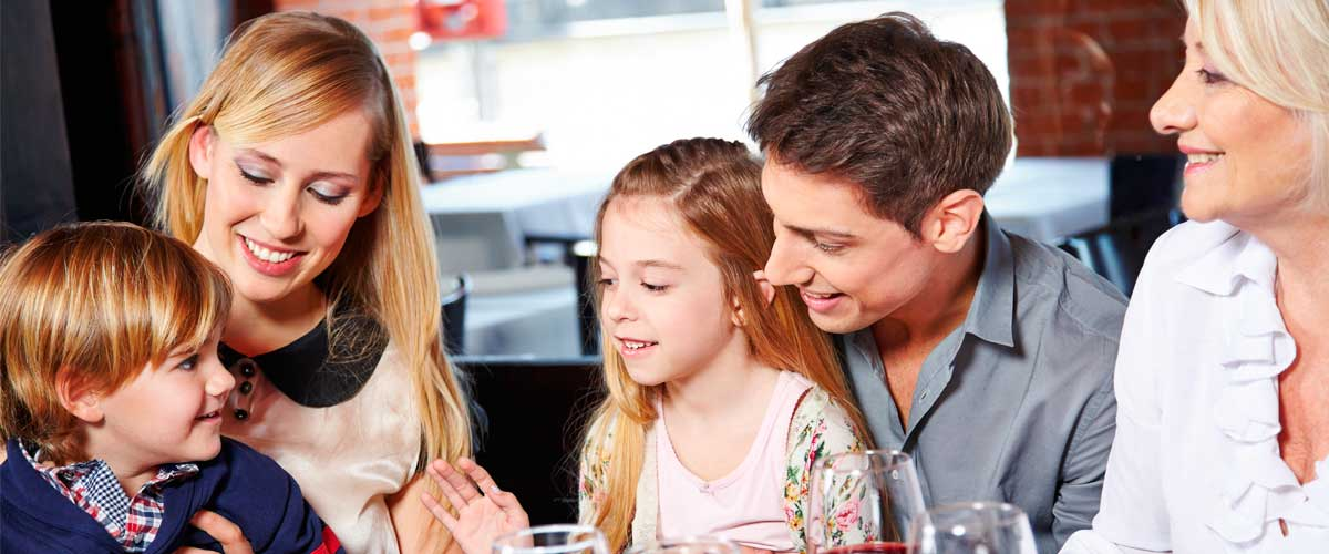 KIDS EAT FREE - WEDNESDAY